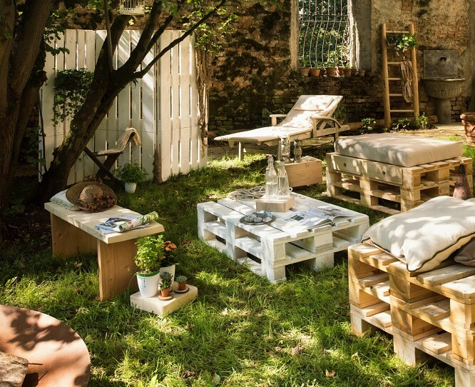 aménagement jardin extérieur palettes